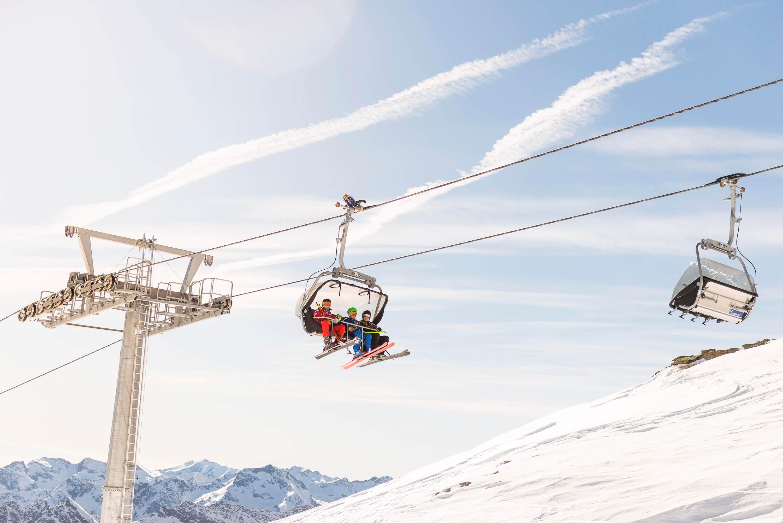 wintersportvakantie coronaroof, coronamaatregelen, skivakantie